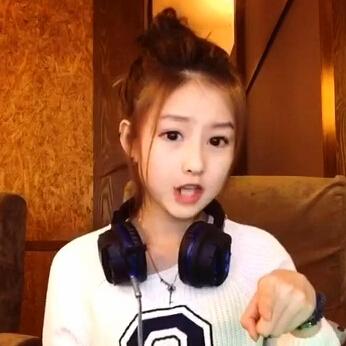 炫迈妹儿的自拍视频