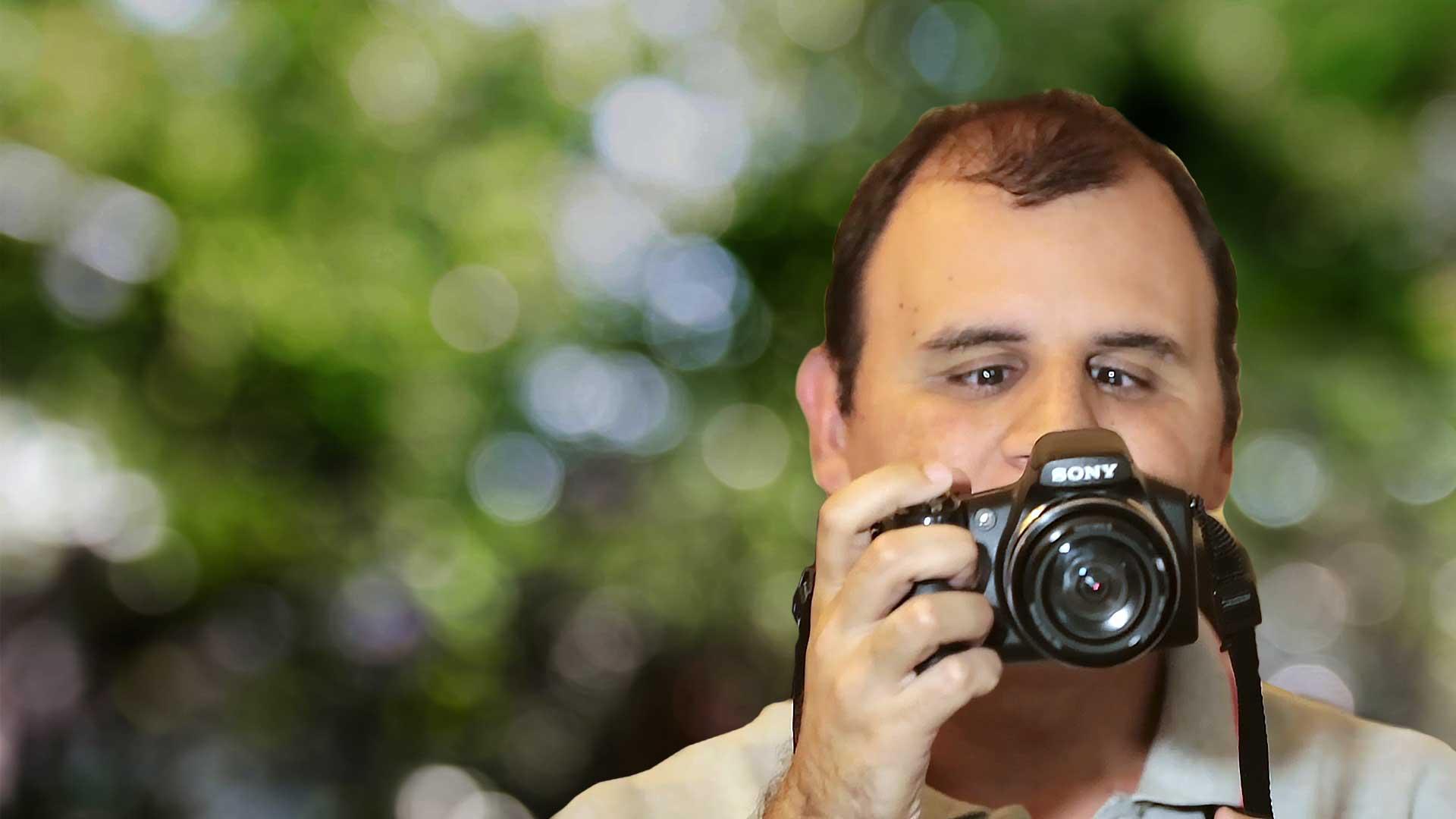 有趣的短视频 ZoominTV 你相信盲人也可以摄影吗?