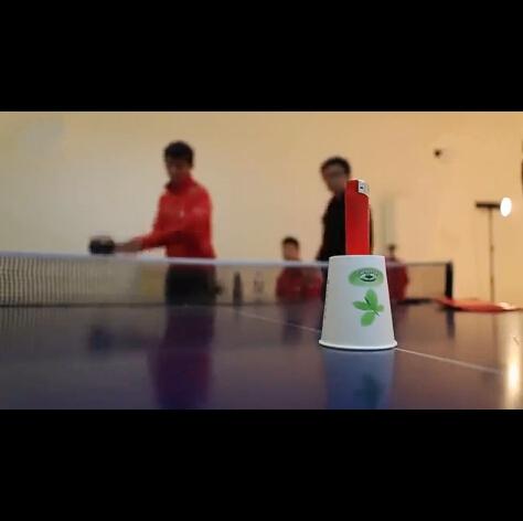 中国队的花式乒乓球,张继科把杯子打掉那一下,卧槽,一个大写的流弊!!!