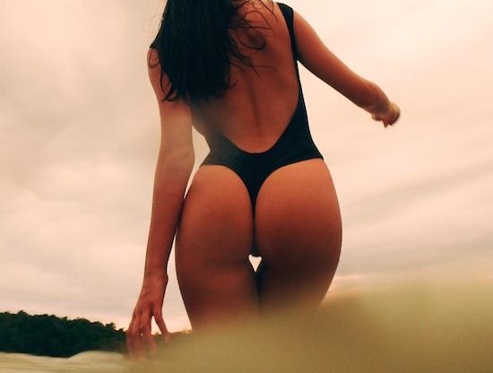 美女 Miss Reef 美臀小姐2016日历在风景如画的墨西哥太平洋沿岸拍摄完毕 微博@爷爱怀旧 美女