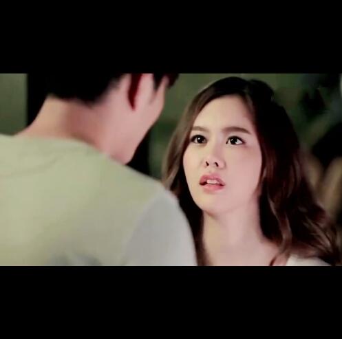 泰国一个超火的MV《多少的爱都不要》,卧槽,泰国的MV拍的跟电视剧一样,女主看的大快人心!!