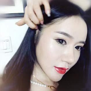 CY艳 第一次尝试红唇