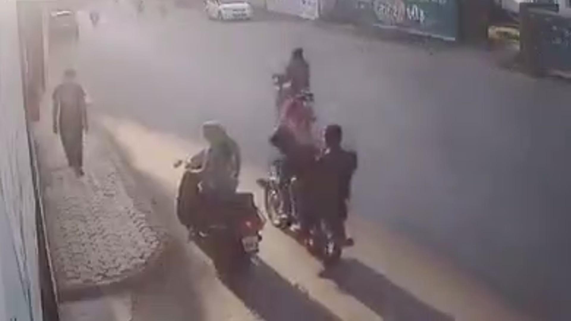 有趣的短视频 ZoominTV 印度女搞笑捉贼!