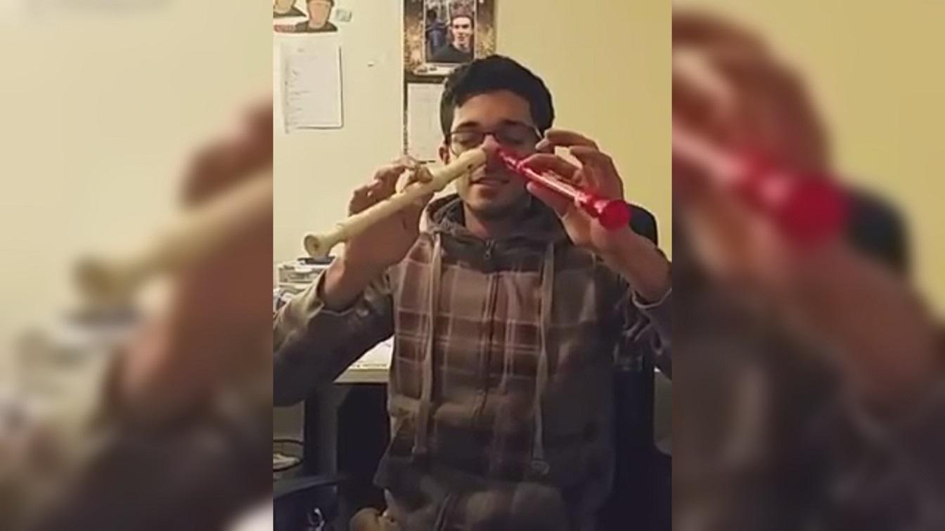 有趣的短视频 ZoominTV 还能用鼻子吹长笛?