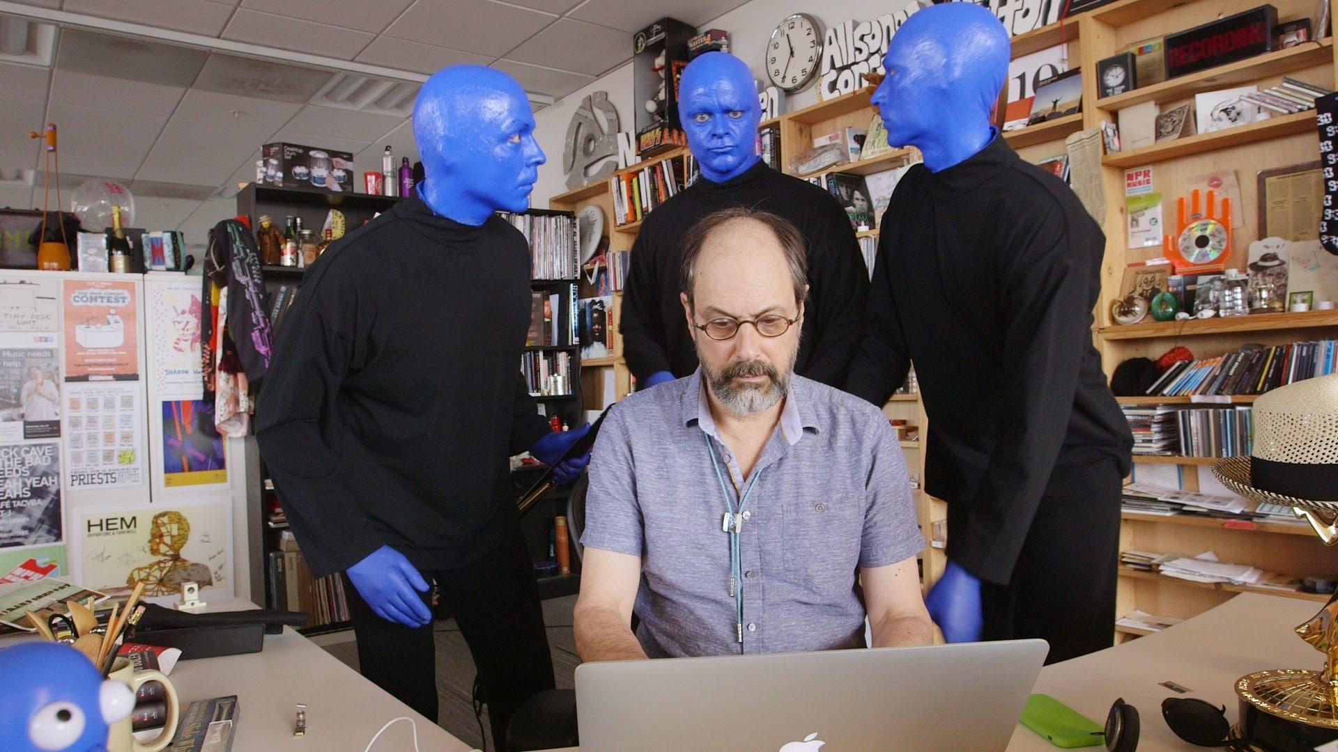 这个很不错 这个很不错 【蓝人组合 Blue Man Group - 】用他们自己研发的乐器玩高大上的音乐,简直了。《NPR Music Tiny Desk Concert - 完整版》》