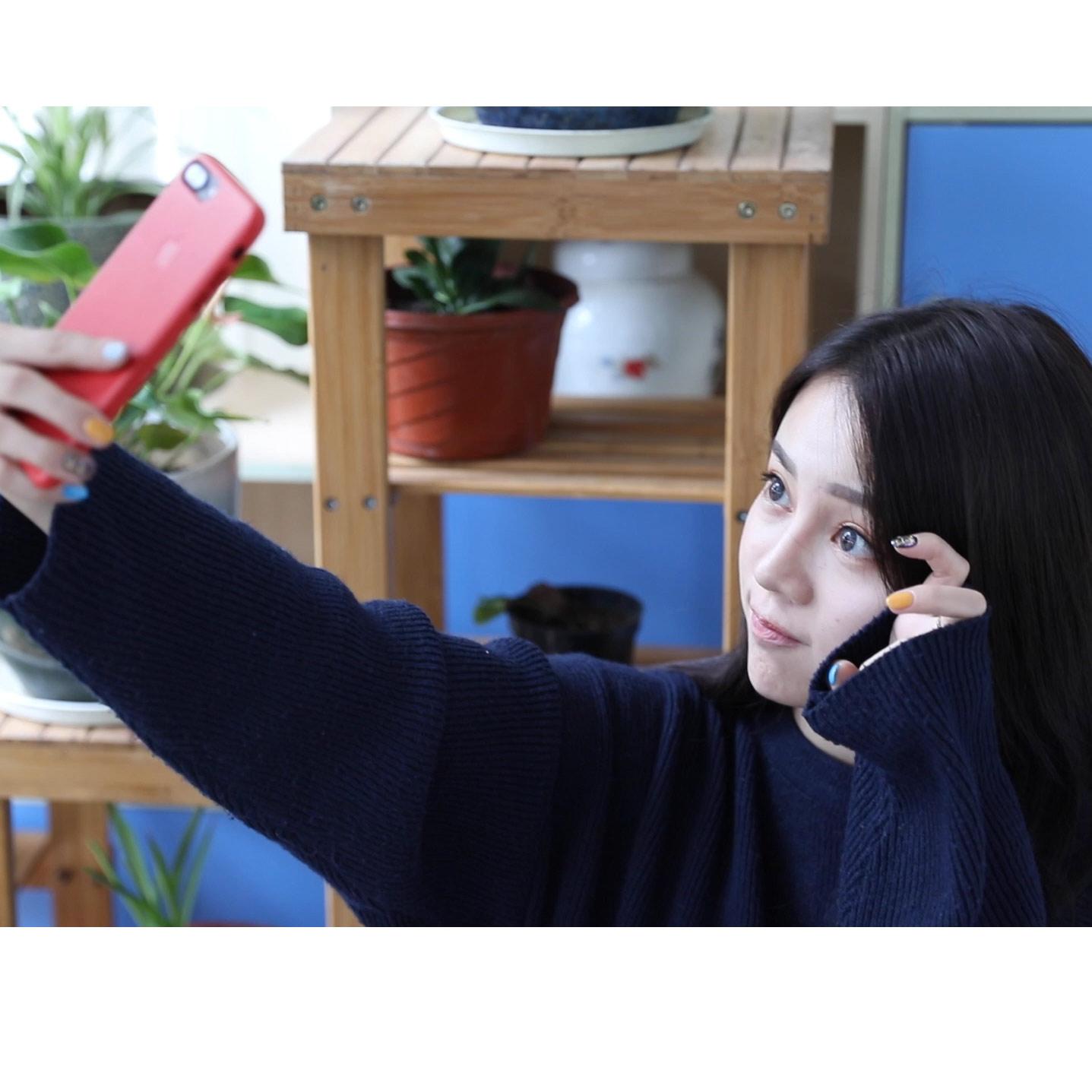 #摄影技巧# 妹纸必学的一些实用的自拍技巧,配合手机A-王者不修图的秒拍