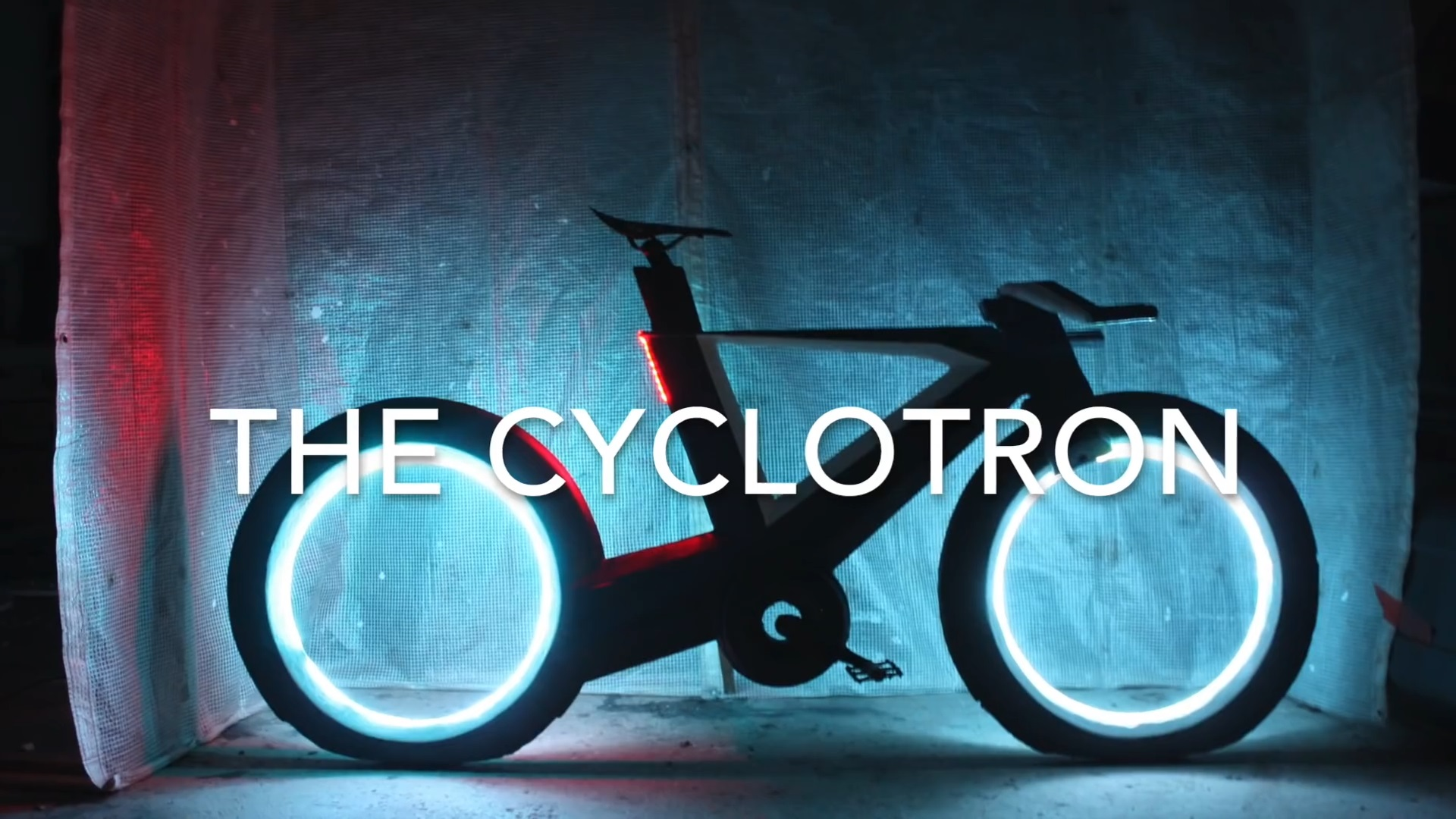 爷爱怀旧 YouTube每日视频精选 超酷炫的回旋加速自行车 骑上它仿佛进入了创战纪的虚拟世界 微博@爷爱怀旧 爷爱怀旧